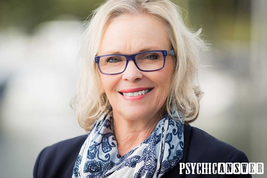 Psychic Answer - Qualified Psychic Career Guidance Experts Online
